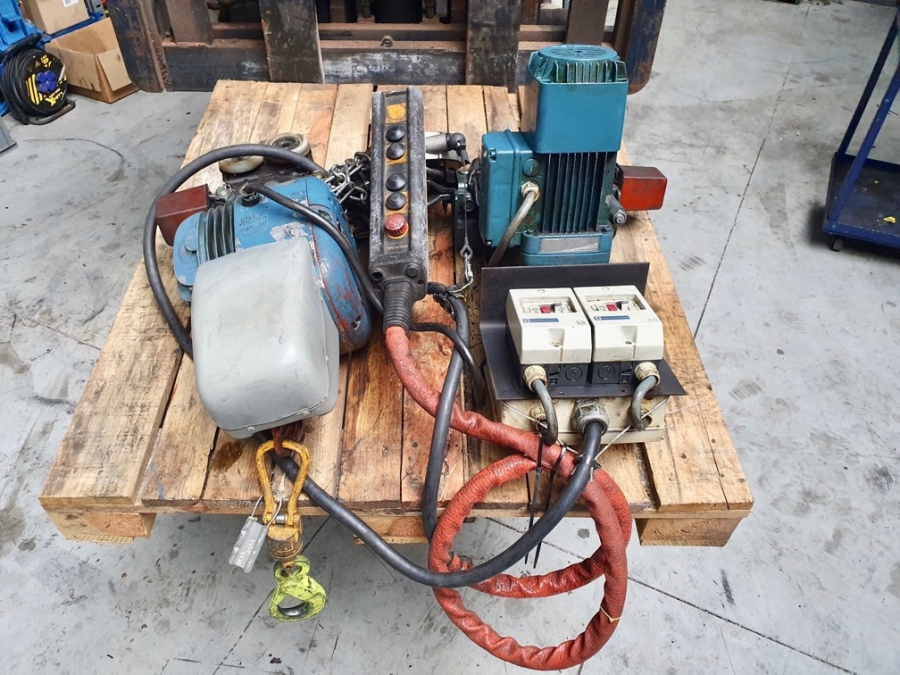 Demag Running Rail + Carrousel With Electric Trolley