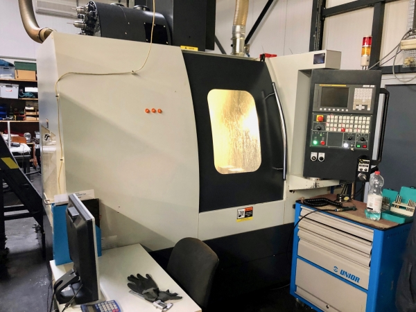 LEADWELL Vertical Machining Center